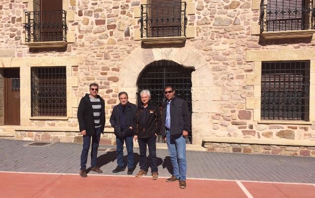El delegado de la Junta en Molina se interesa por la situación y proyectos municipales de Cubillejo